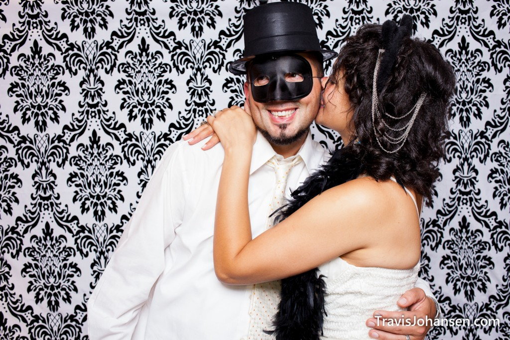 Wedding Couple - Schaars Bluff MN Photobooth
